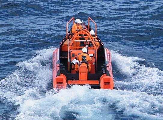 Custom Poly Workboat PolyRib 6300 in action